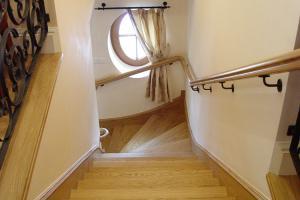 Spiral oak stairs